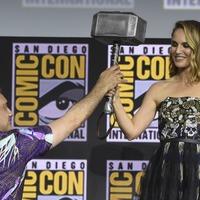 Natalie Portman to play the female Thor in superhero sequel