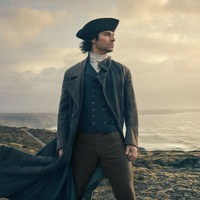Poldark fans delighted as Aidan Turner takes part in duel