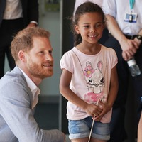 Harry's beard piques toddler's interest during visit to children's hospital