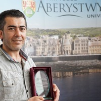 Syrian refugee wins award for learning Welsh