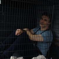 Supervet traps himself in cage to highlight 'terrible' conditions at puppy farms