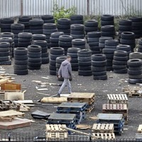 Derry bonfire builders urged not to include tyres and offensive material