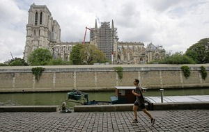 Lead pollution concerns over Notre Dame cathedral clean-up