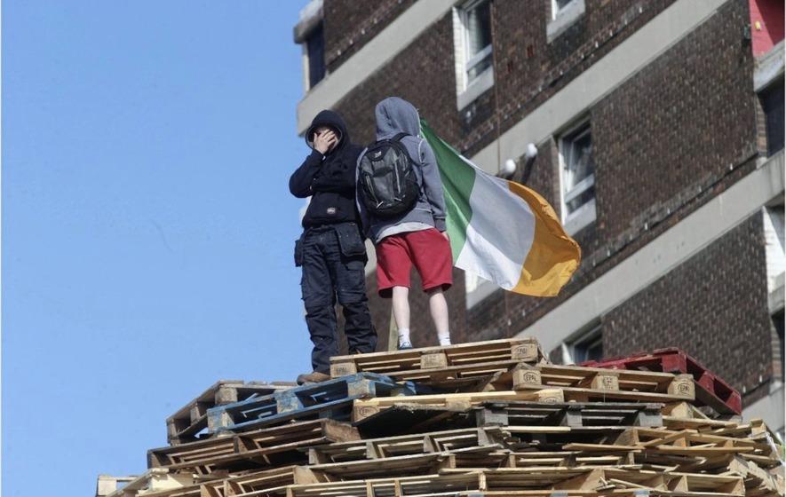 Bonfire siege youth 'has no regrets' - The Irish News