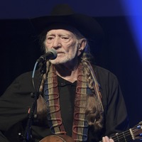 Willie Nelson cancels tour dates because of 'breathing problem'