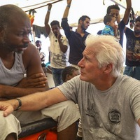Richard Gere meets migrants as rescue ship stranded in Med for eighth day