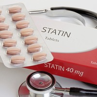Statins 'lower the risk of premature death by a third'