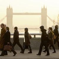 Economists warn UK jobs market could peak despite record employment