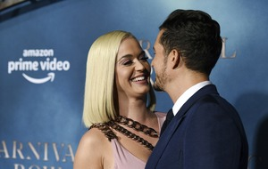 Katy Perry and Orlando Bloom in steamy red carpet PDA