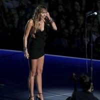 Miley Cyrus in emotional VMAs performance following Liam Hemsworth split