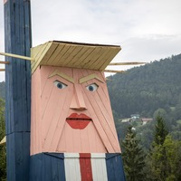 Wooden statue of Donald Trump raises eyebrows in Slovenia