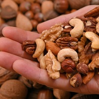 Eating nuts linked with lower risk of fatal heart attack and stroke