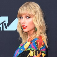 Taylor Swift sets the record straight about her song London Boy