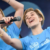 Vicky McClure reunites with members of Dementia Choir for fundraiser