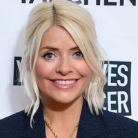 Stylish Holly Willoughby nails smart-casual at Clic Sargent fundraiser