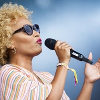 Emeli Sande apologises to fans for pulling out of gig after losing voice
