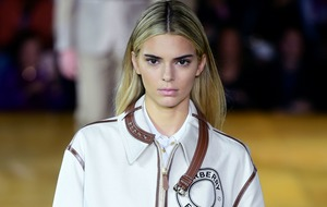 Kendall Jenner shows off new look at Burberry show