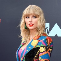 Taylor Swift brands Kanye West 'two-faced' as she shares new feud details