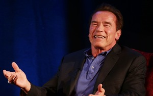 Schwarzenegger invokes Crocodile Dundee with knife jibe at Stallone