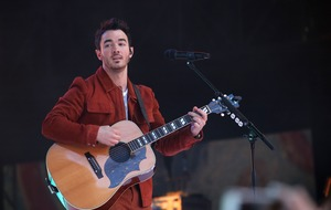 Pop star Kevin Jonas wishes wife Danielle a happy birthday