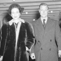 Edward VIII's wisdom tooth to be sold at auction