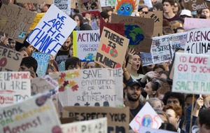 Hundreds of thousands turn out across UK for global climate strike
