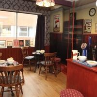 NHS hospitals using vintage makeovers to help dementia patients