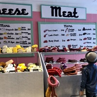 Artist opens New York delicatessen with 30,000 products made of felt