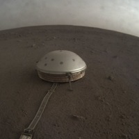 Nasa lander captures marsquakes and other Martian sounds