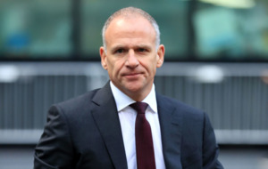 Tesco boss Dave Lewis to step down next year