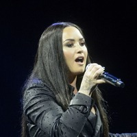 Demi Lovato apologises for 'offending anyone' following Israel trip