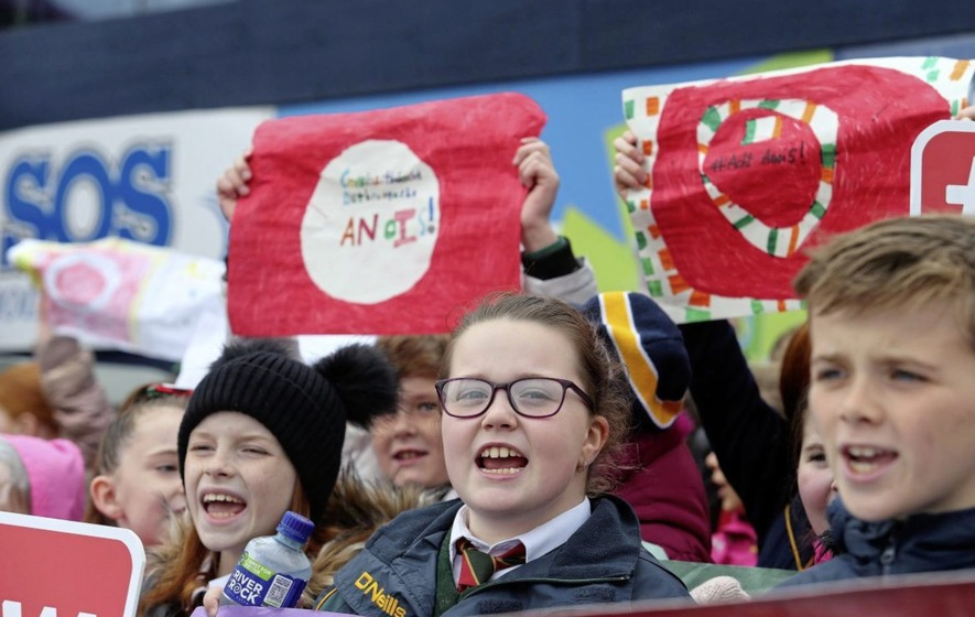 Protest in Belfast calls on city council to introduce city-wide bilingualism policy