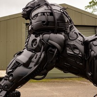 Sculptor creates 12ft gorilla from disused car parts to highlight climate change