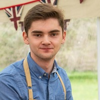 Bake Off fans in stitches over Henry's surprise reaction to Hollywood handshake