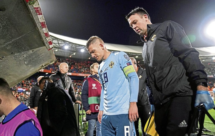 Holland strike late to dash Northern Ireland's Euro 2020 hopes