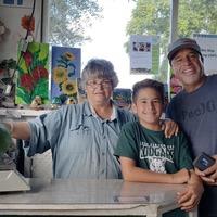 Giant avocado earns Hawaii family Guinness World Record