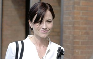 Flight attendant to claim damages Dolores O'Riordan's estate