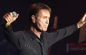 Sir Cliff Richard's treat for fans to mark 60th anniversary of Travellin' Light