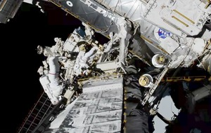 Nasa astronauts complete historic all-female spacewalk