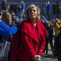 Jane Fonda returns to civil disobedience over climate change
