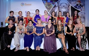 Nicole Kelly and Gráinne McGoldrick awarded with camogie's Soaring Stars