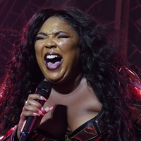 Pop star Lizzo 'wins Halloween' with hilarious costume