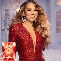 Mariah Carey tussles for crisps with elf in Walkers Christmas advert