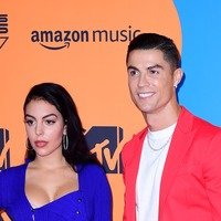 Cristiano Ronaldo and girlfriend Georgina Rodriguez dazzle on MTV red carpet