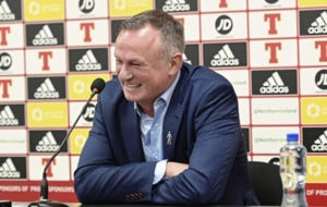 Michael O'Neill guaranteed warm Windsor reception - whatever the future holds