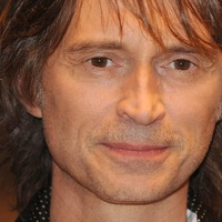 Robert Carlyle gives foul-mouthed summary of his Brexit views