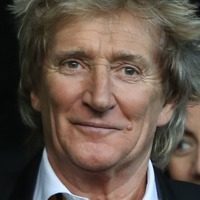 Sir Rod Stewart's exclusive bash to raise £1 million for charity