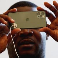 Apple picks up three prizes at EE Pocket-lint Awards