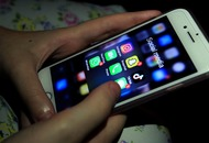 Bedtime phone use causing sleepless nights, research suggests