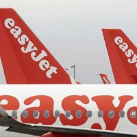 Easyjet relaunches package holiday business as profits slide